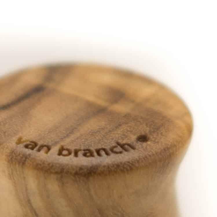 Holz Plug Surf Olivenholz - van branch - Branding Detail