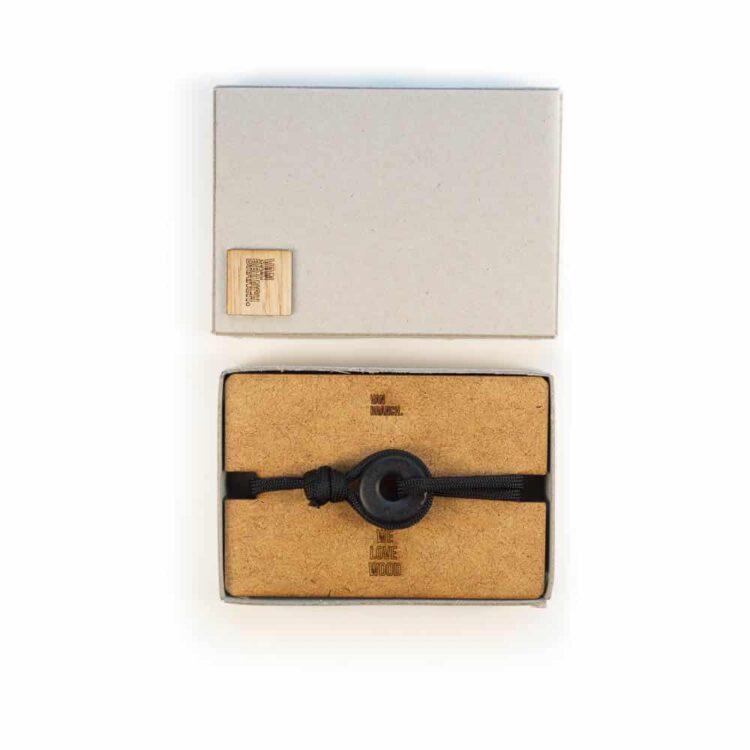 Van branch Armband mit individueller Gravur im Holz