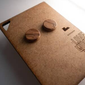 Handgefertigter Ohrring aus Olivenholz in 14mm, liebevolle Handarbeit