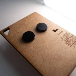 Handgefertigter Ohrring aus Ebenholz in 14mm, liebevolle Handarbeit