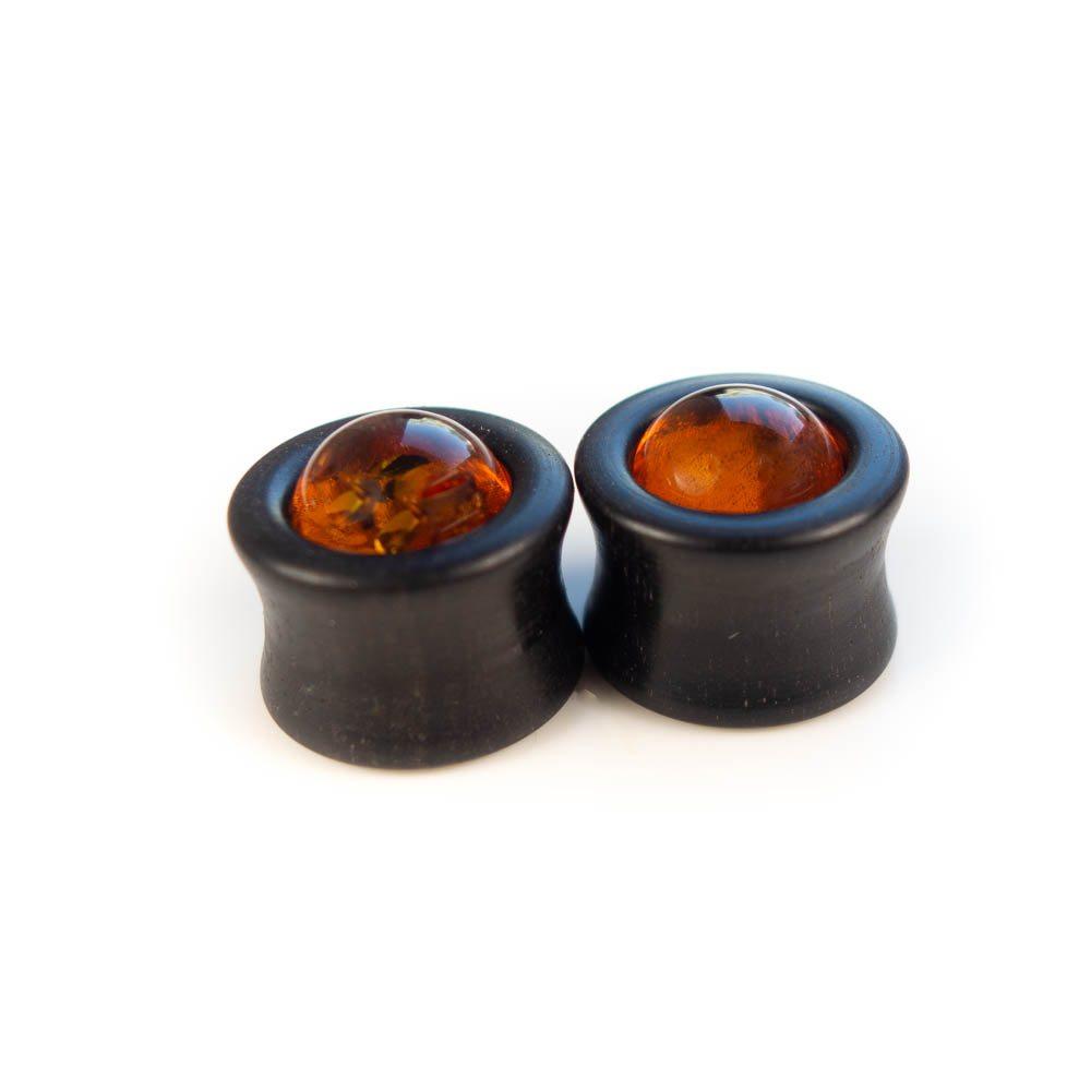 Handgefertigte 14mm Ohr Plugs aus Ebenholz und Bernstein mit Gravur