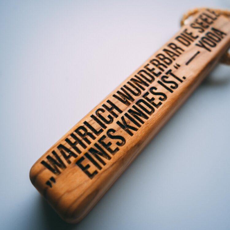 Schlüsselanhänger van branch Beispiel Gravur.