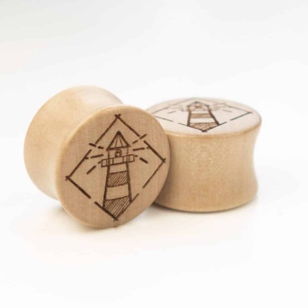 Handgefertigte Leuchtturm Holz Plugs 09698