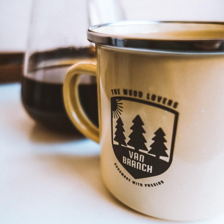 van branch Tasse Emaille mit Logo Gravur, the Wood Lovers